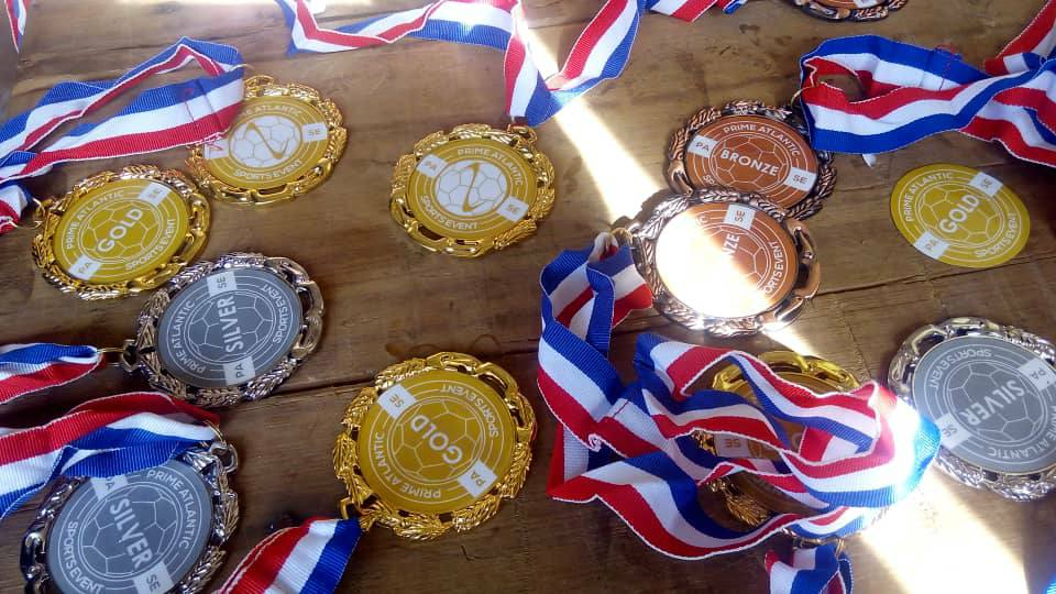 Gold, silver and bronze medals 1